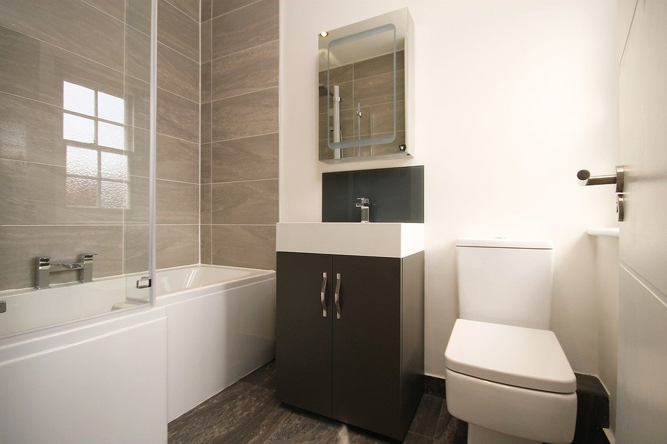 Legend Traditional Bathroom Suite At Victorian Plumbing Uk: Contemporary Vs Traditional Designs